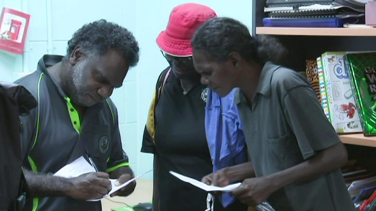 «Документы на колёсах»: как аборигенам Австралии выдают свидетельства о рождении