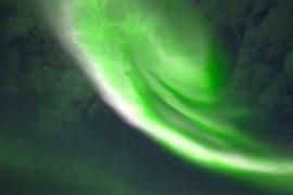 Невероятное северное сияние наблюдали над Рованиеми