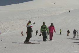 Запоздалые снегопады грозят лишить иранский курорт туристов и инвестиций
