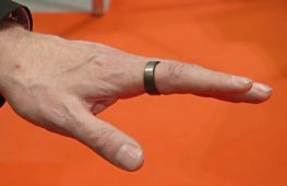 «Умное» кольцо и одежда-электростанция: выставка нательных технологий в Лондоне