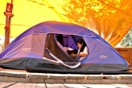 Мехико через полгода после землетрясения: люди живут в палатках