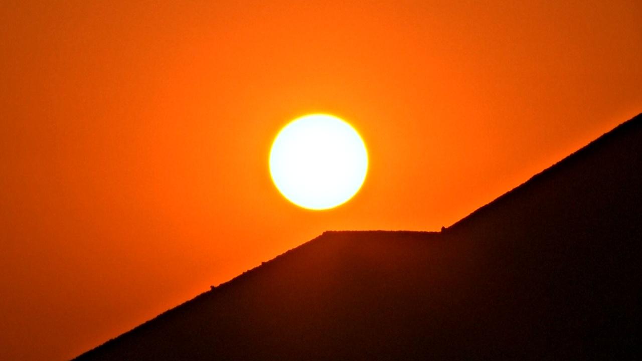 Тысячи мексиканцев встретили рассвет на Пирамиде Солнца