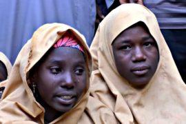 «Боко харам» отпустила 100 похищенных нигерийских школьниц