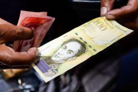 Венесуэльцы отнеслись к деноминации боливара с подозрением