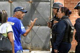 Пожар в тюрьме: родственники жертв не верят версии полиции
