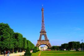 Побывать в Париже, где так много напоминает о России