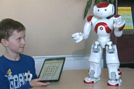 В финской школе языку и математике детей учат роботы