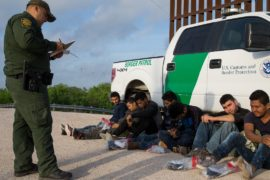 Дональд Трамп призвал Мексику помочь США на границе