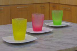 В Индонезии стаканы из водорослей приходят на смену пластику