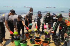 В Индонезии объявили ЧС из-за крупного разлива нефти