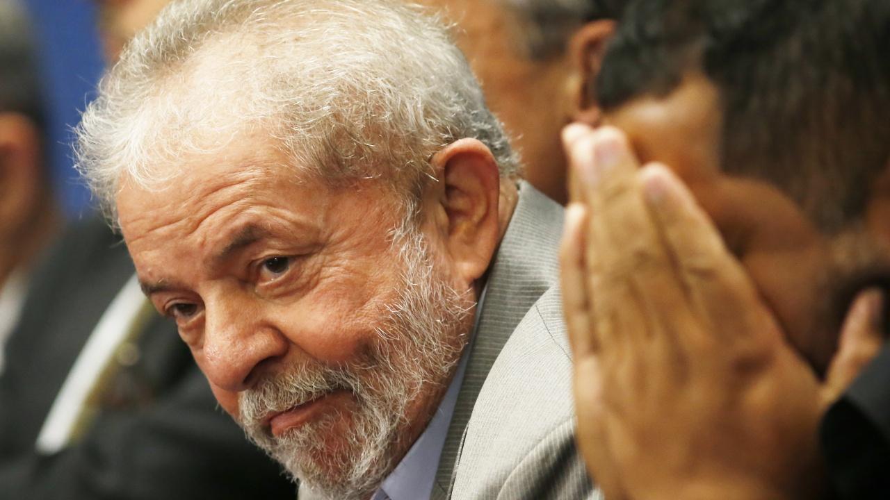 Верховный суд Бразилии разрешил отправить в тюрьму экс-президента Лулу да Силву