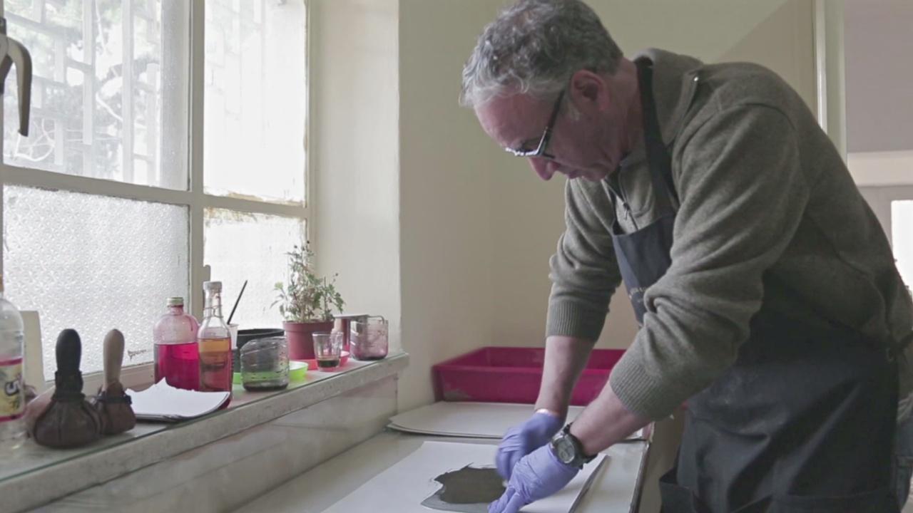 Иорданец возрождает почти забытое искусство гравюры