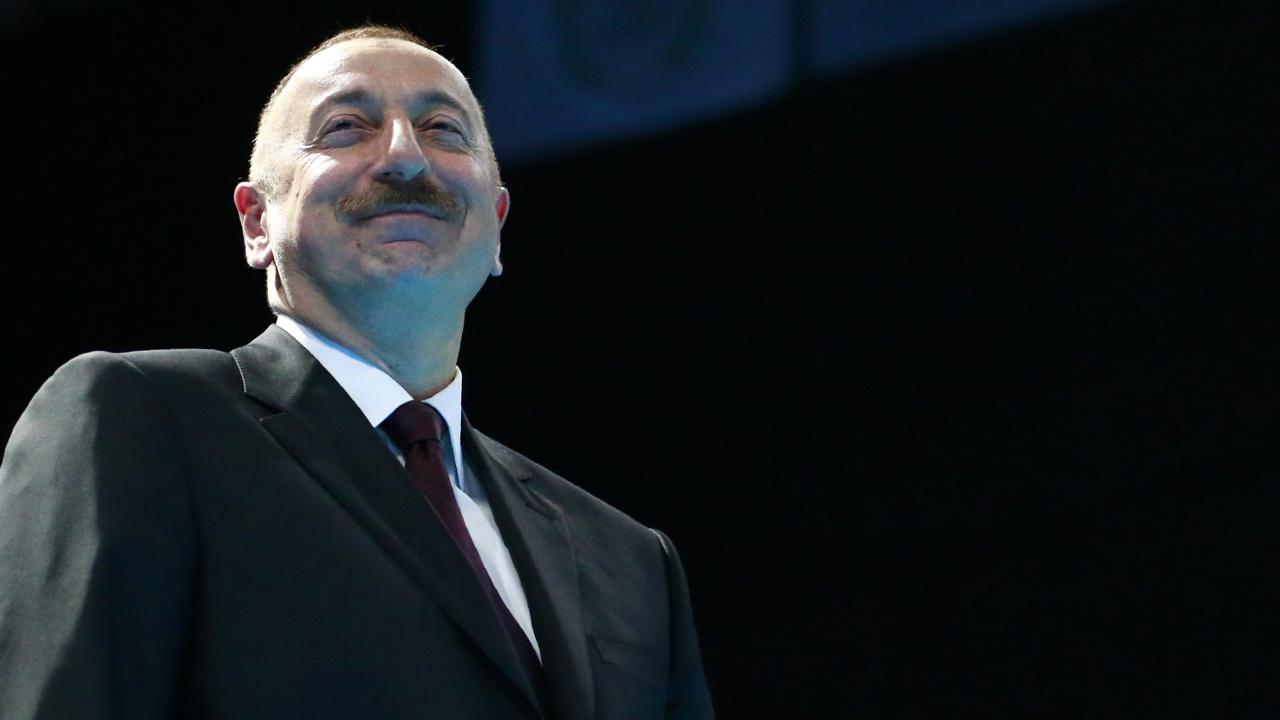 Внеочередные выборы в Азербайджане: уверенная победа Ильхама Алиева