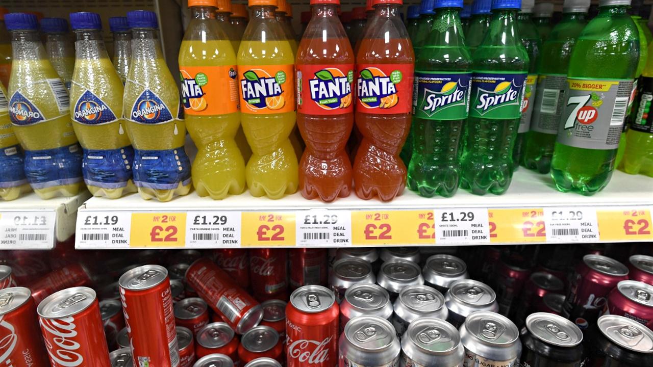 Новый налог на сахар в Великобритании призван помочь нации похудеть