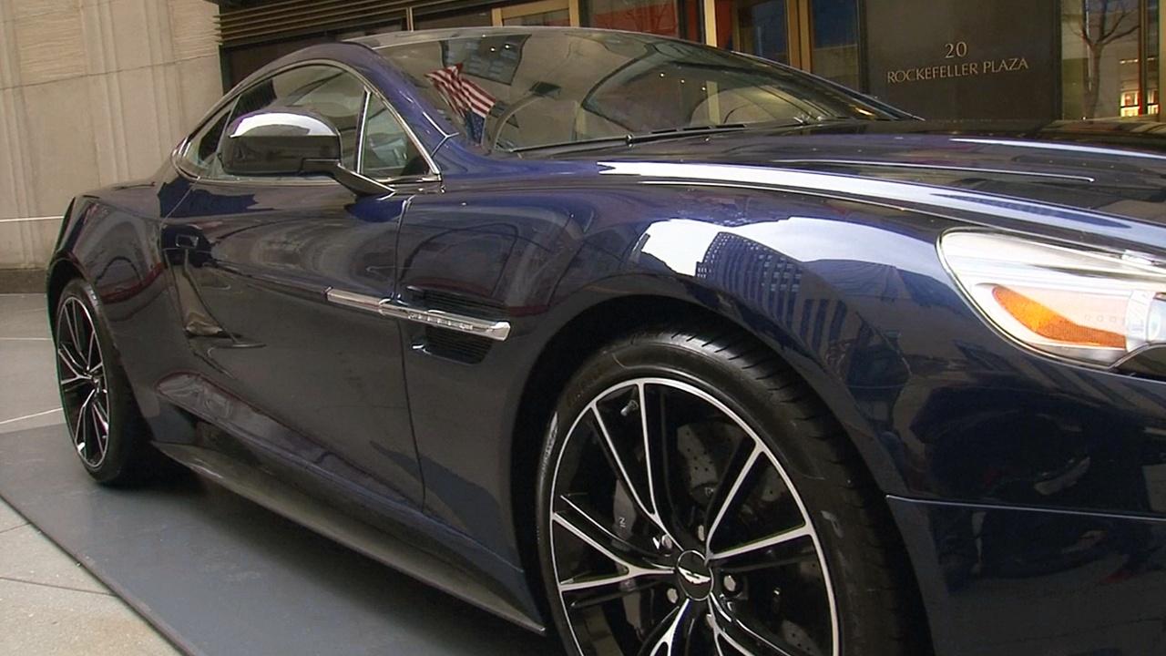Дэниэл Крейг выставляет на аукцион любимый Aston Martin
