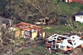 Снегопады, наводнения и смерчи: США – во власти непогоды