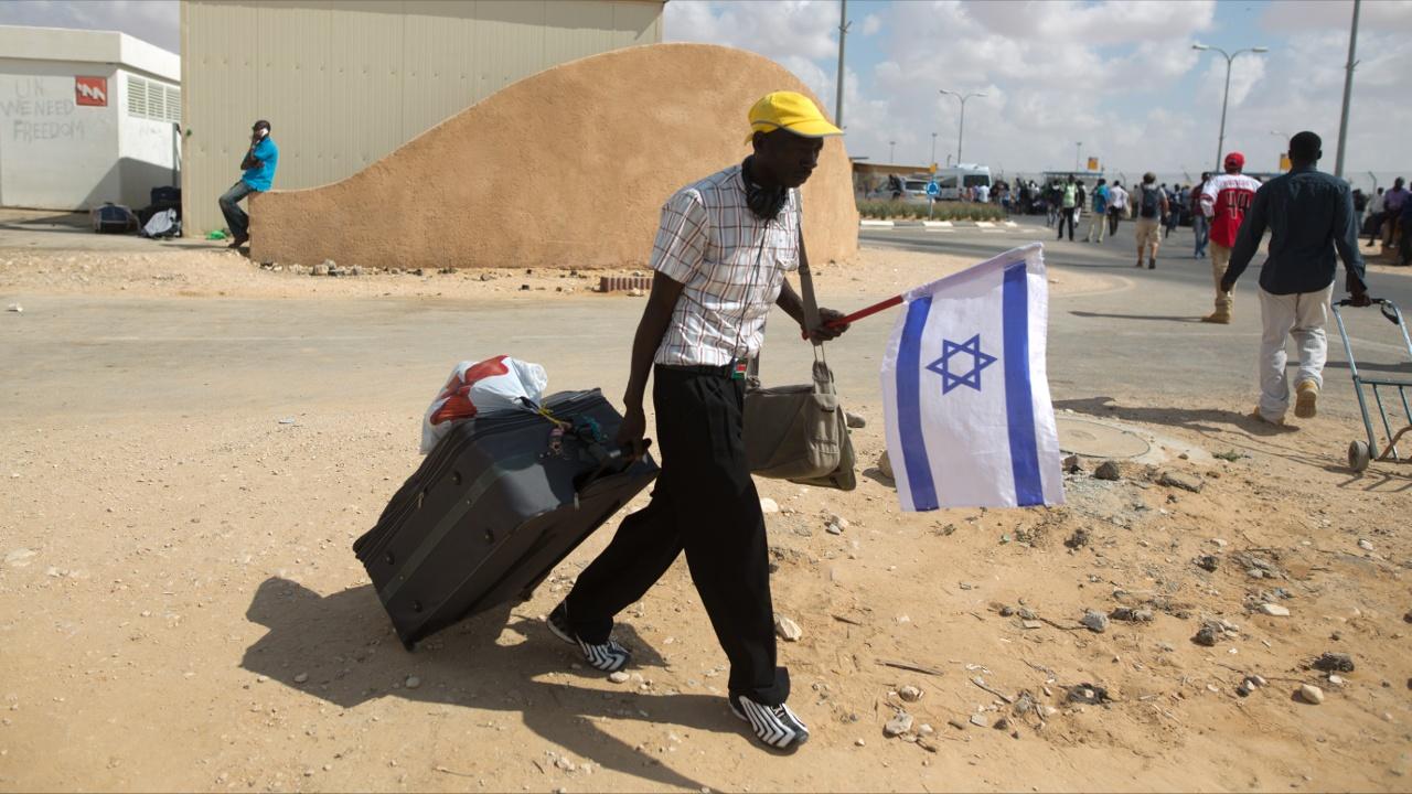 Договориться не удалось: Израиль не будет депортировать нелегалов