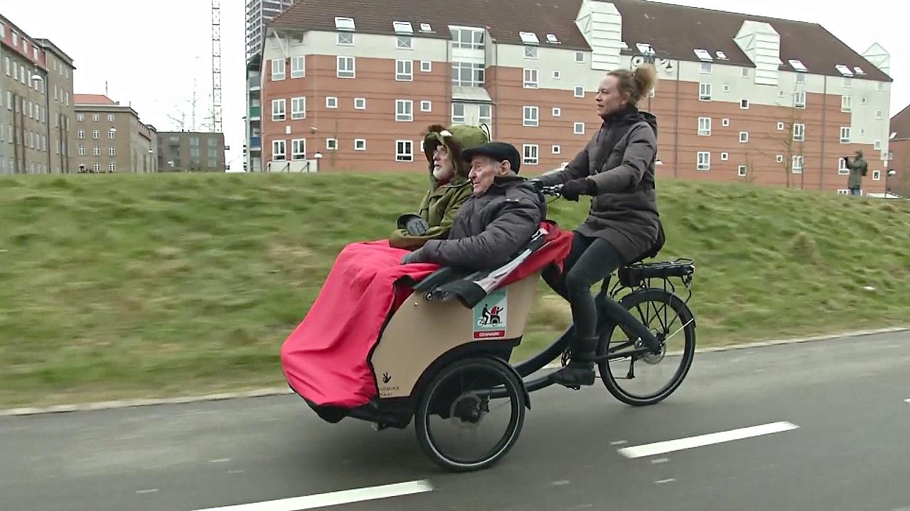 Поездки для пожилых: велосипеды всем возрастам покорны