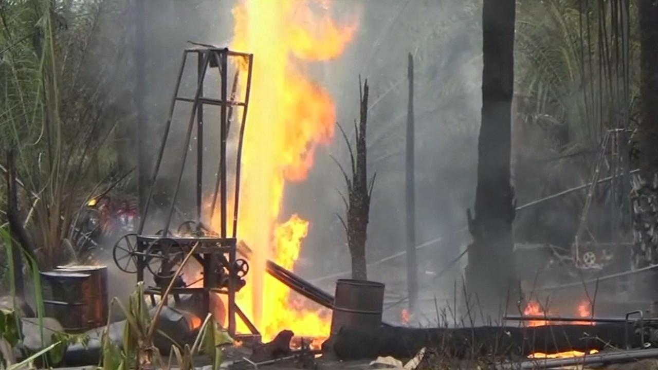 В Индонезии загорелась нефтяная скважина: 18 погибших