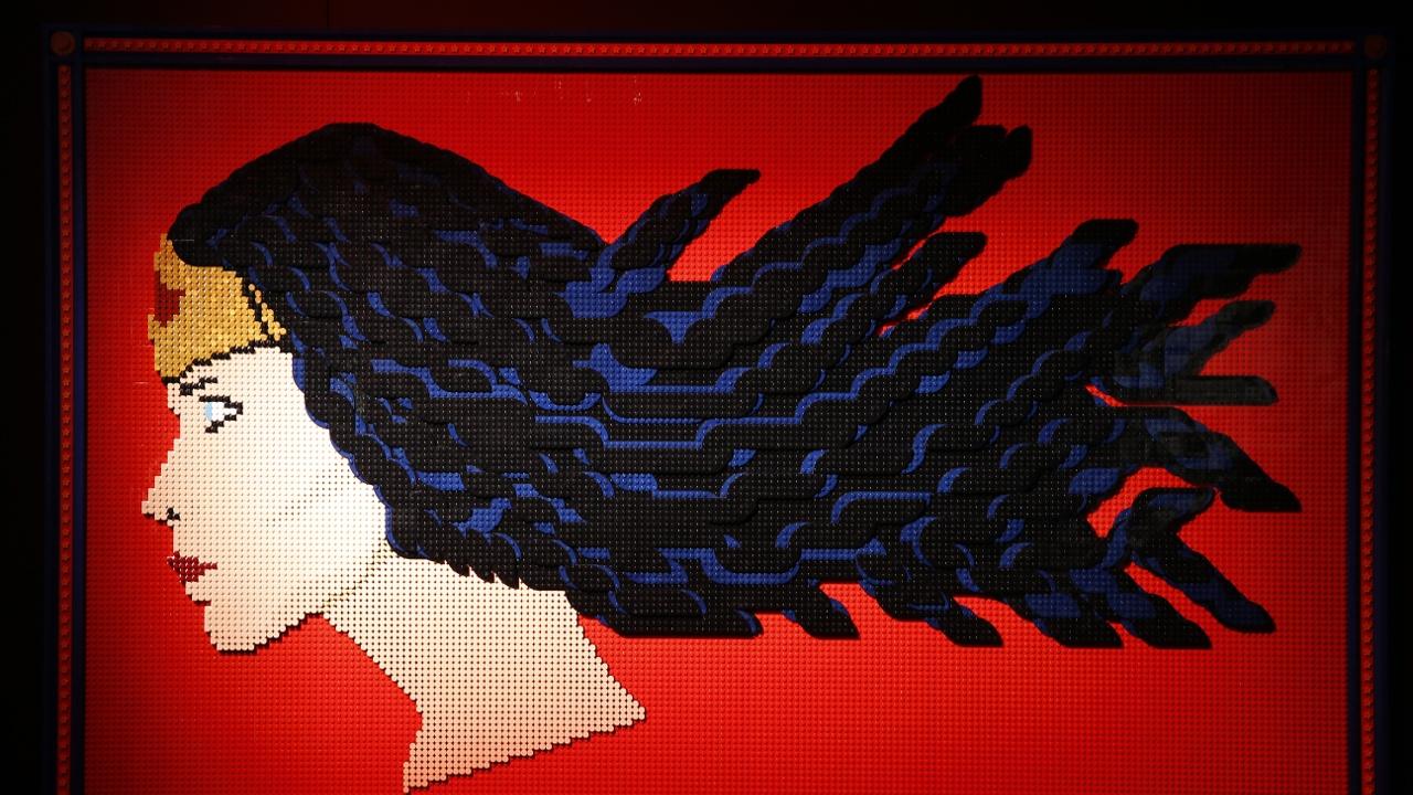 Из юриста в скульпторы: что вдохновляет творить шедевры из кубиков «Лего»
