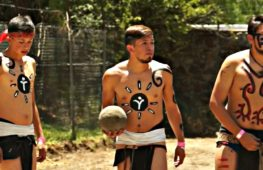 В футбол по-древнеиндейски сыграли в Теотиуакане