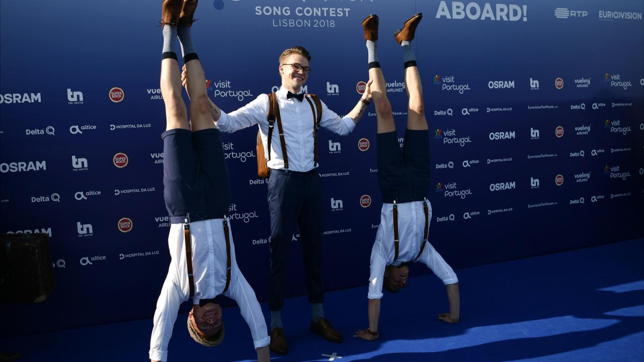«Евровидение» начинается: участники прошли по синей дорожке в Лиссабоне