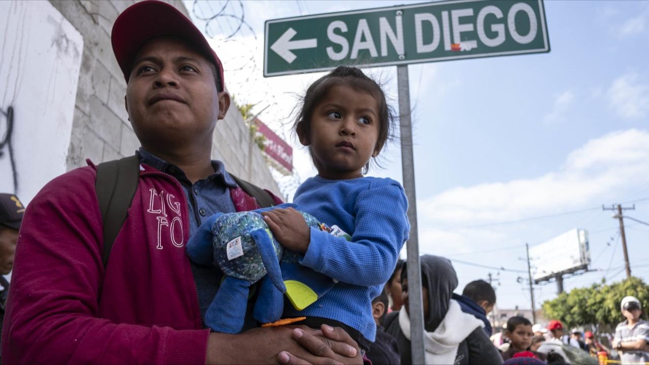 США будут разделять семьи, которые пересекают границу незаконно