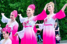 Праздник от Нью-Йорка до Москвы: Всемирный день Фалунь Дафа