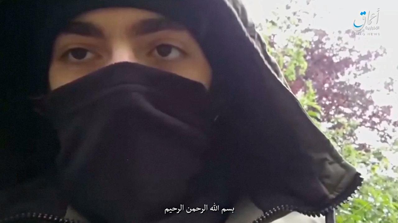 Напавший с ножом на прохожих в Париже — выходец из Чечни