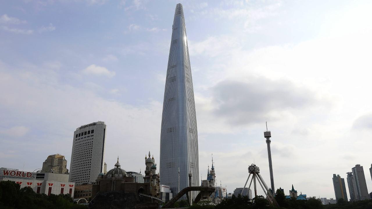 Бегуны покорили самый высокий небоскрёб Южной Кореи