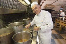 Шеф-повара Виндзорского замка готовятся к королевской свадьбе