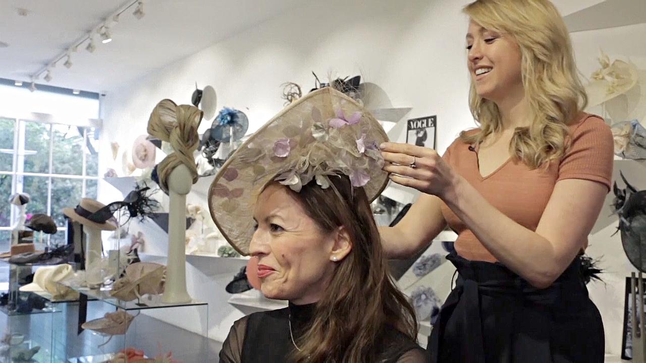 Любимая шляпница герцогини Кейт — о шляпках на предстоящей свадьбе