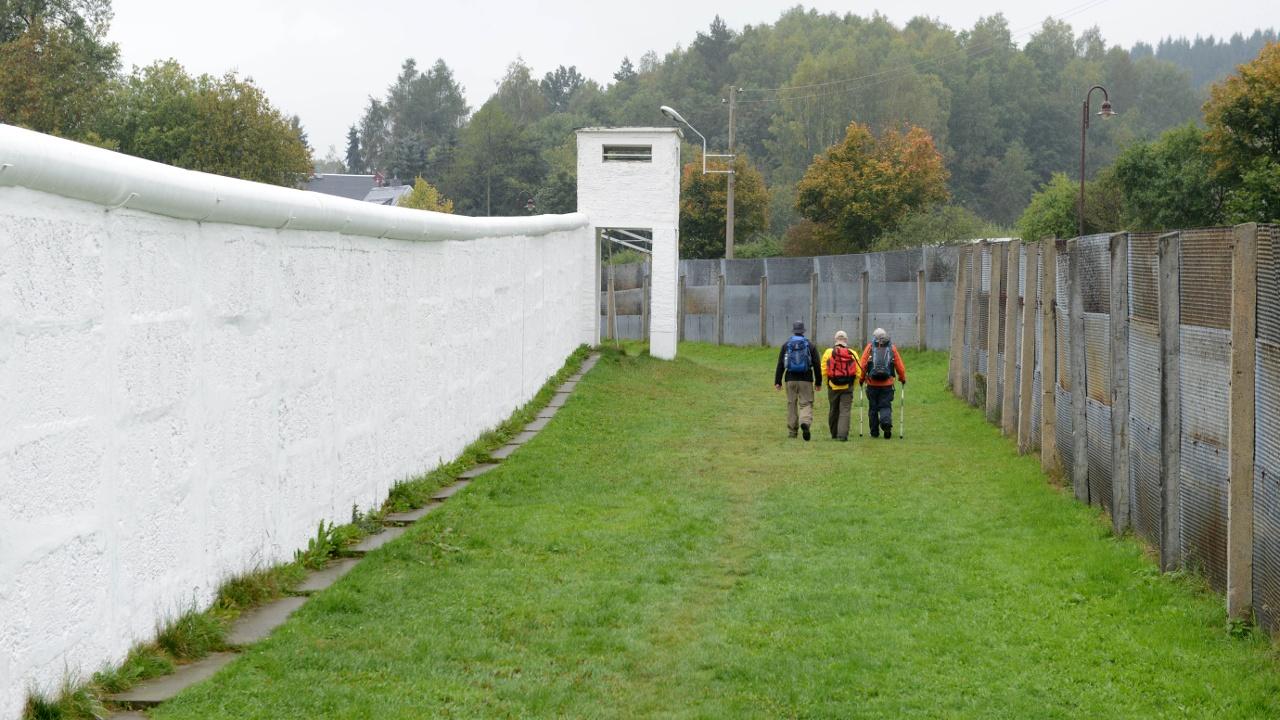 Некогда разделённая немецкая деревня доказывает: стены бесполезны