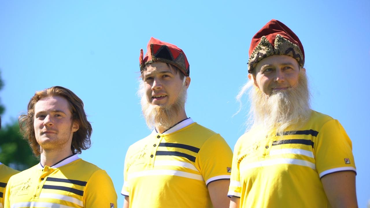 Футбольный матч среди актёров прошёл в Лужниках