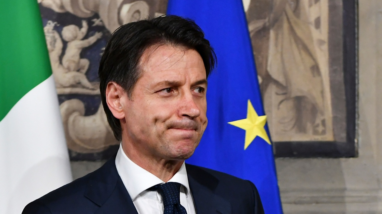 Новый премьер Италии отказался от должности