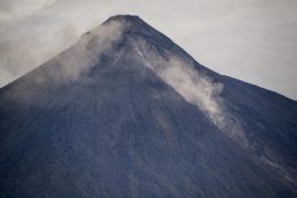 В Гватемале хоронят жертв вулкана, ещё 200 человек числятся пропавшими без вести