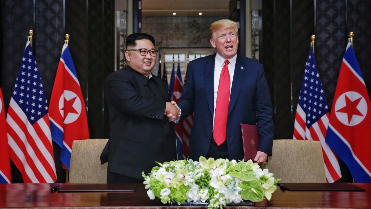 Исторический саммит: Дональд Трамп и Ким Чен Ын подписали совместный документ
