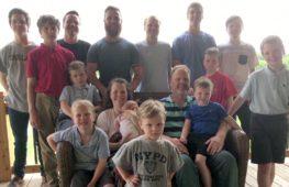 Пара с 14-ю сыновьями ждёт рождения первой внучки
