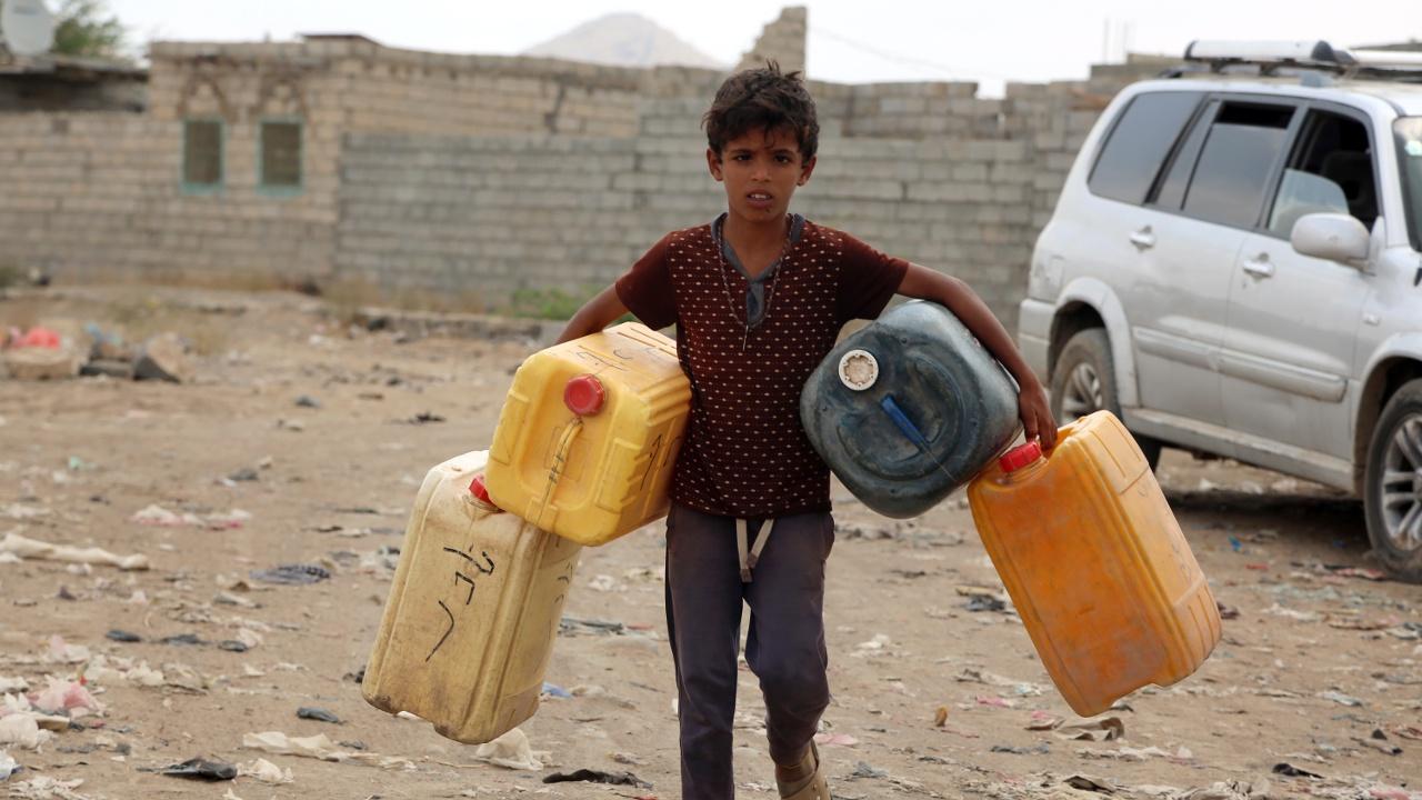 Йеменцам угрожает голод из-за наступления на Ходейду