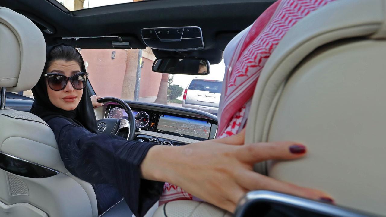 Женщины Саудовской Аравии готовятся сесть за руль