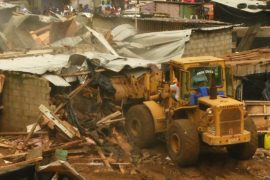 В Абиджане после смертоносного наводнения сносят трущобы
