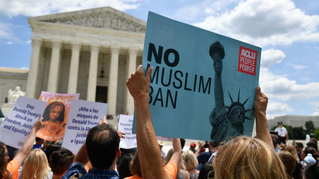 Верховный суд США поддержал миграционный запрет Дональда Трампа