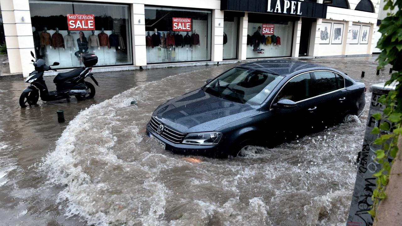 На греческую Магулу неожиданно обрушилось наводнение