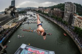 В Испании прошли зрелищные соревнования по клифф-дайвингу