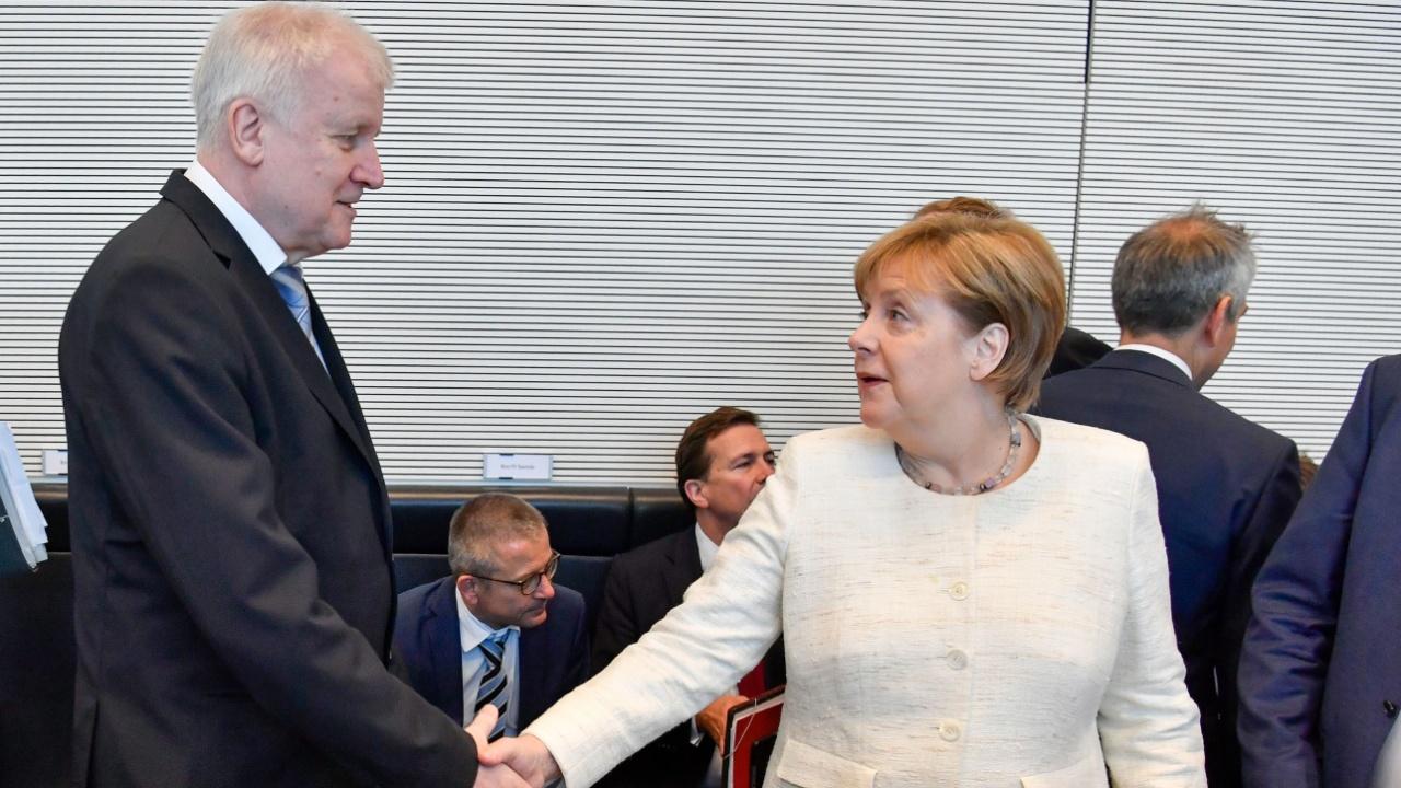 Правящая коалиция Германии смогла договориться по вопросу мигрантов