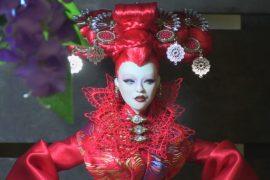 Фестиваль кукольной моды собрал дизайнеров со всего мира в Лондоне