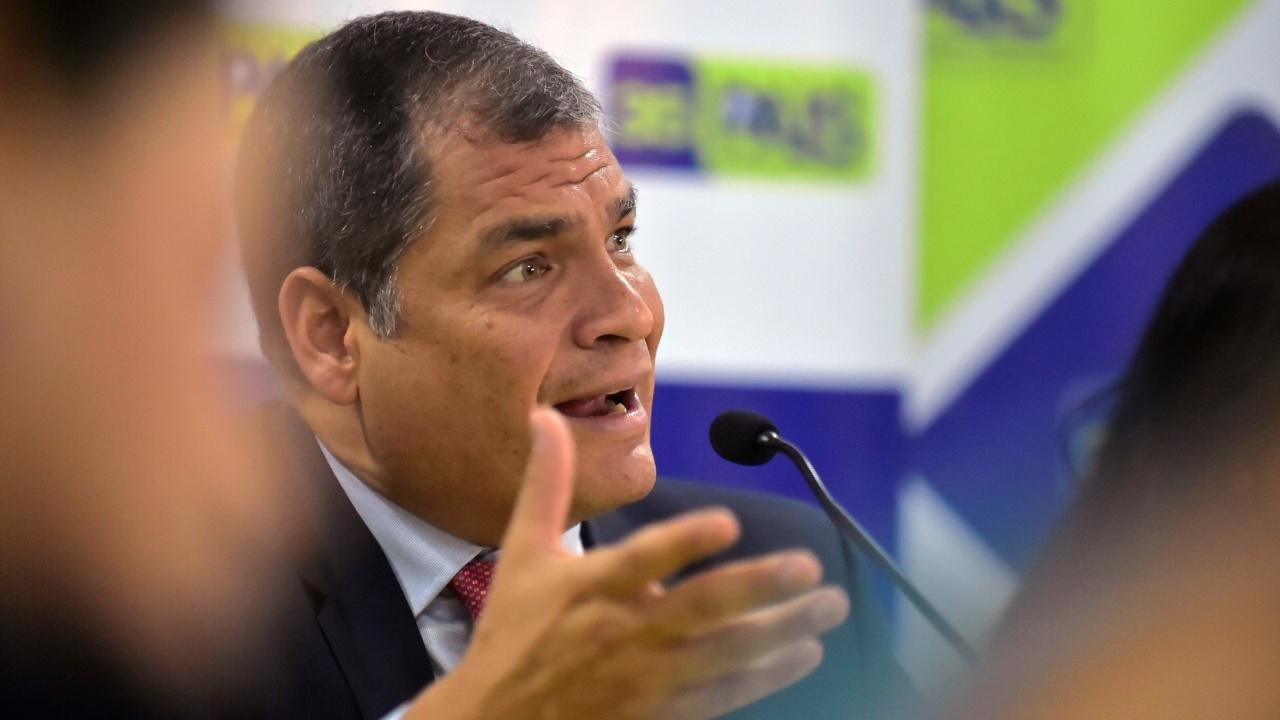 Суд Эквадора выдал ордер на арест бывшего президента