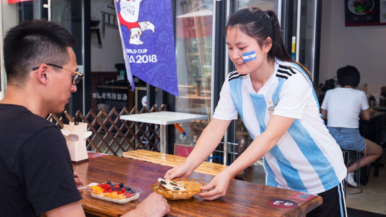 Русская кухня пришлась по вкусу футбольным болельщикам