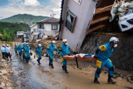 Сильнейшее за 36 лет наводнение в Японии: не менее 155 погибших