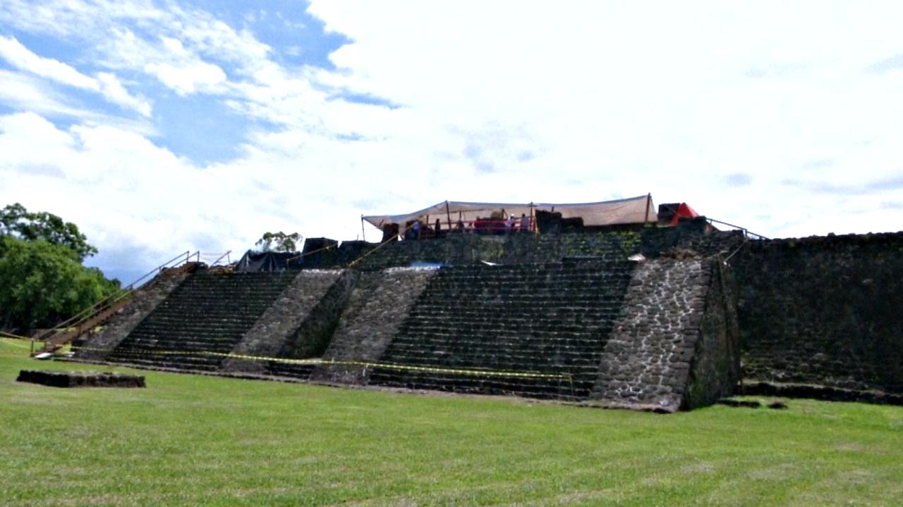 Землетрясение обнажило древнюю пирамиду под индейским храмом в Мексике